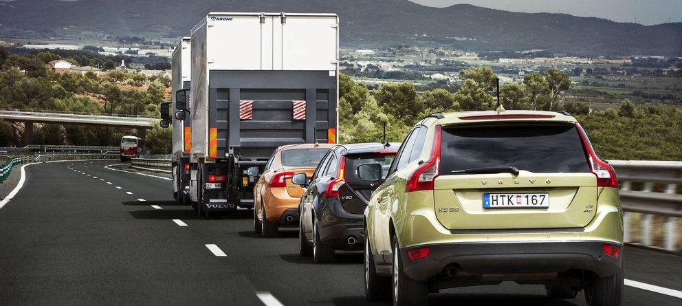 Foto: Los españoles tenemos que mejorar nuestra conducta al volante. (Efe)