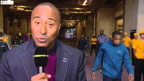 Usain Bolt vacila a un periodista