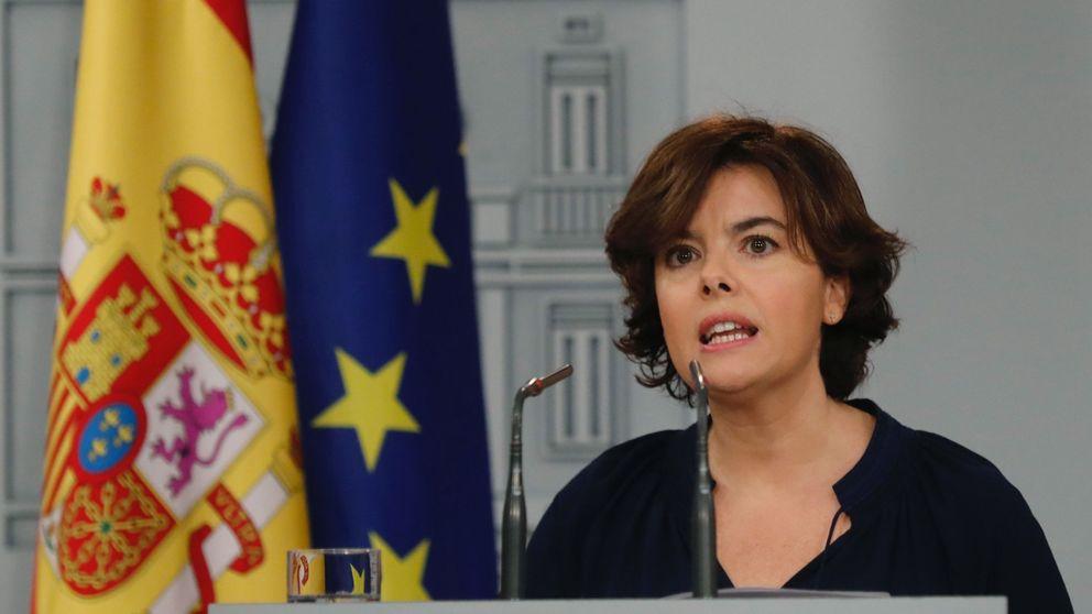 El Gobierno exige a la Generalitat que ponga fin de inmediato a la farsa