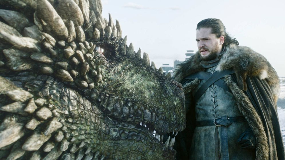 Foto: Jon Nieve, junto a uno de los dragones de Daenerys. (HBO)