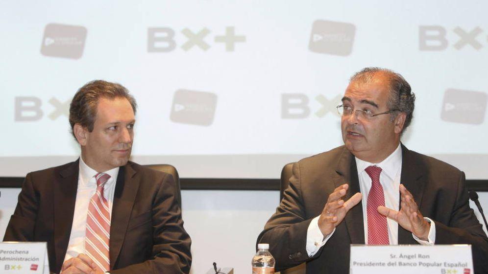 Foto: Ángel Ron (d), junto a Antonio del Valle hijo. (EFE)