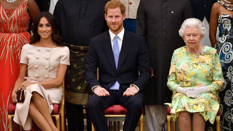 Los Sussex con la reina Isabel II en 2018. (Reuters)