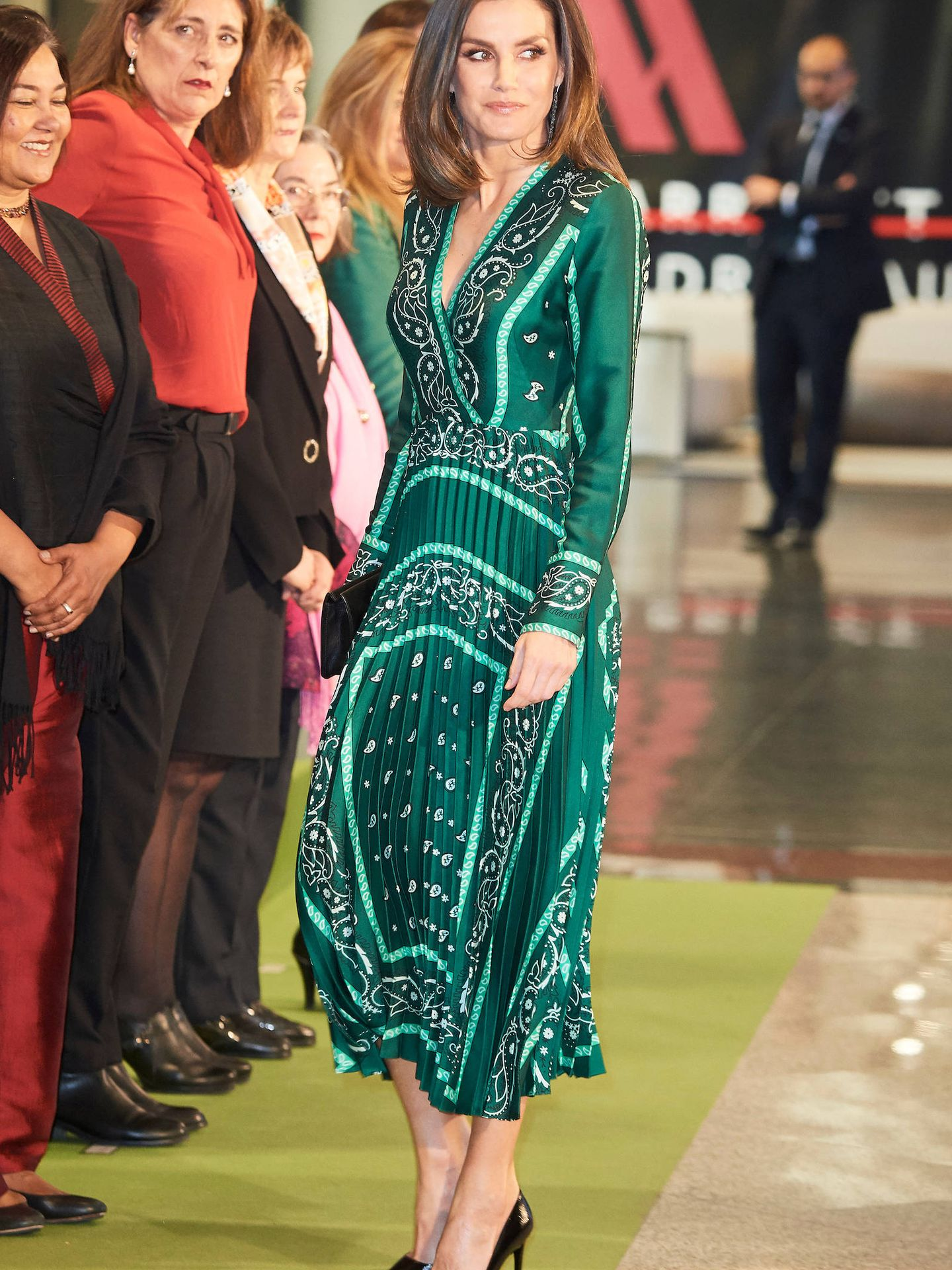 La reina Letizia, con su vestido de Sandro Paris. (Limited Pictures)
