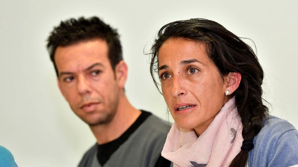 Foto: Los padres del niño Gabriel Cruz, Patricia Ramírez y Ángel Cruz comparecen ante los medios. (EFE)