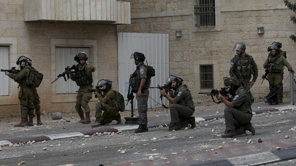 Soldados israelíes disparan a una mujer palestina que trató de apuñalarles