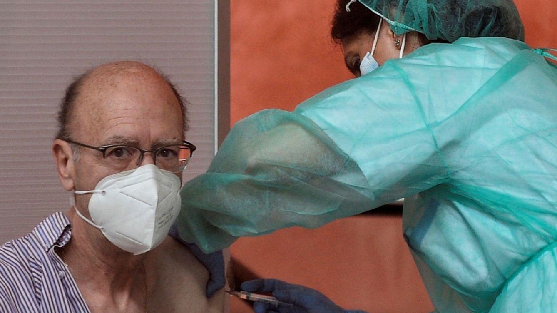 Investigan en Lleida la muerte de dos personas vacunadas con AstraZeneca
