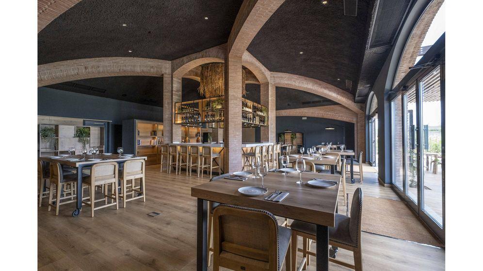 Foto: El espacio de la Familia Torres aúna la cocina local y la excelente calidad de sus bodegas.
