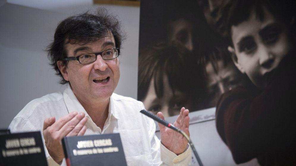 Foto: El escritor Javier Cercas, en presentación de su nueva novela, 'El monarca de las sombras'.