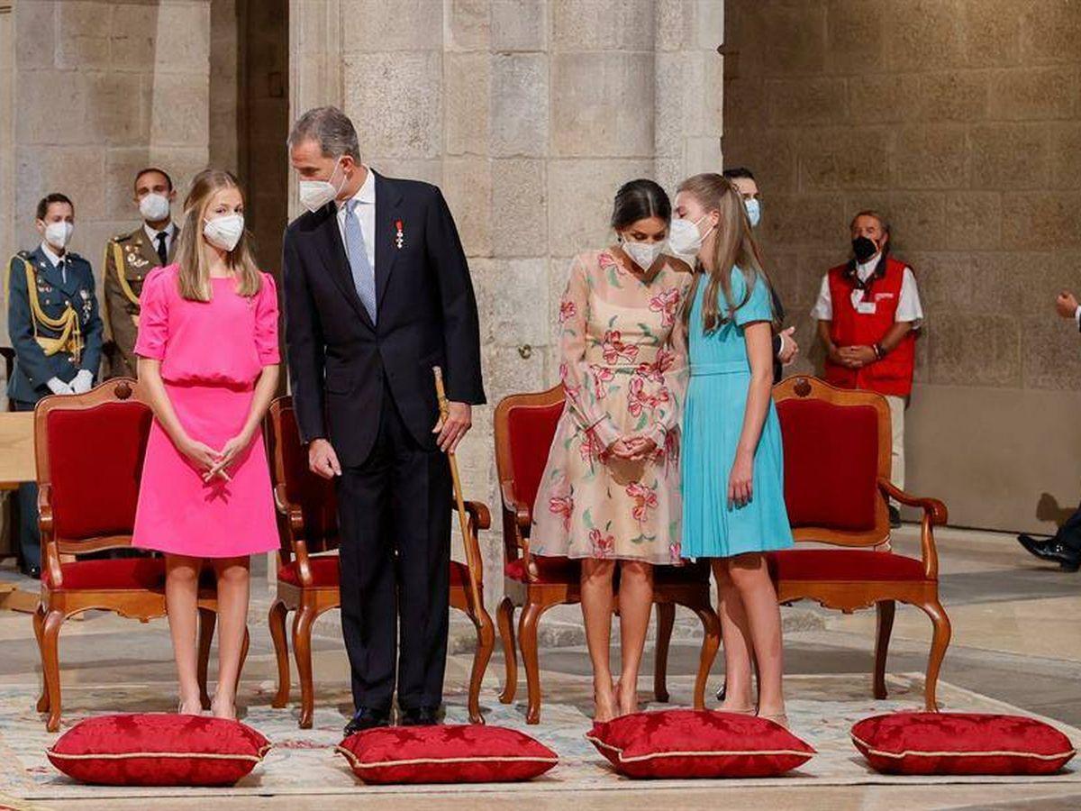 Foto: Felipe VI intercambia unas palabras con su hija Leonor, princesa de Asturias. (EFE)