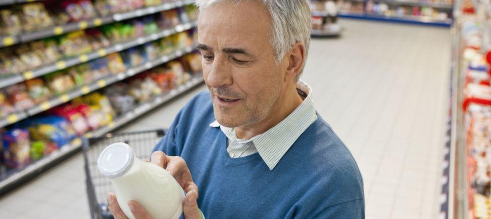Foto: La leche fresca o esterilizada ha vuelto a recuperar presencia en el mercado. (Corbis)