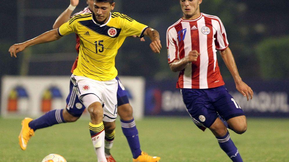 Foto: Jorge Carrascal, a la izquierda, durante un Colombia-Paraguay de categoría Sub 17 (EFE)