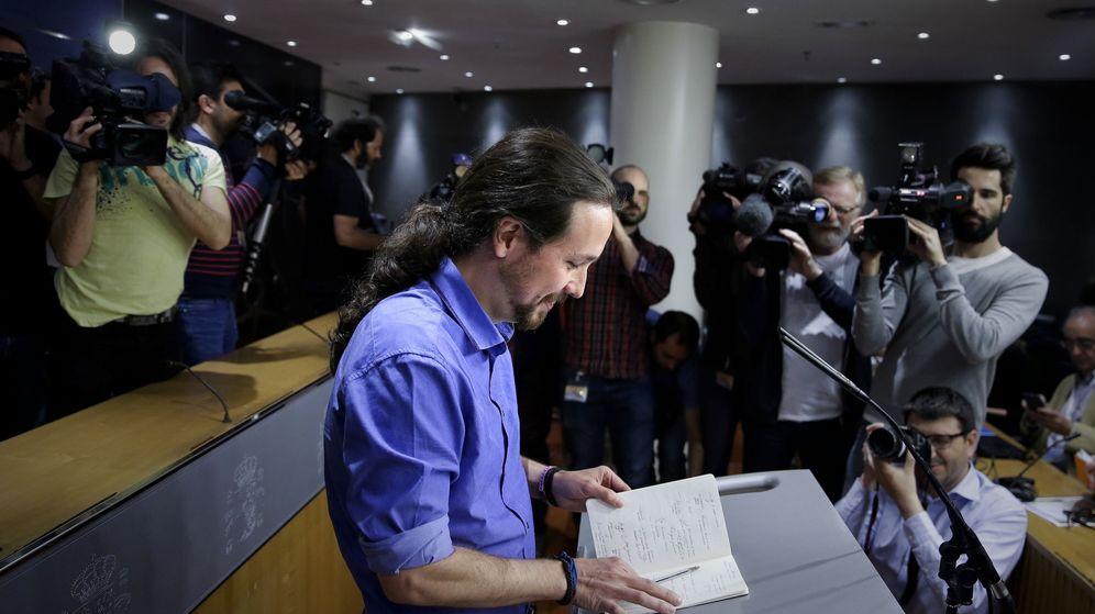 Foto: El líder de Podemos, Pablo Iglesias, durante la rueda de prensa ofrecida en el Congreso tras ser recibido por el Rey. (EFE)
