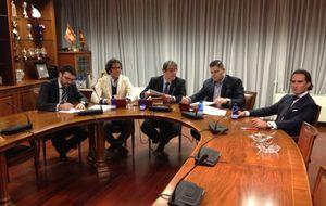 El día que la Federación de Villar firmó un contrato con una presunta banda criminal