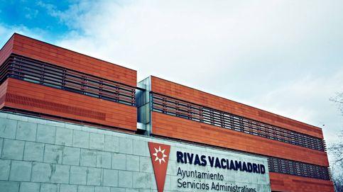 Derriban el busto que homenajea a La Pasionaria en la localidad de Rivas (Madrid)