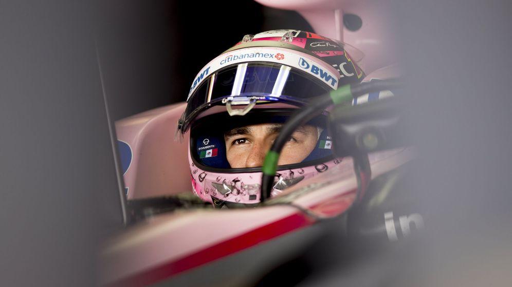 Foto: Sergio Pérez, dentro del box en el GP de Canadá. (EFE)