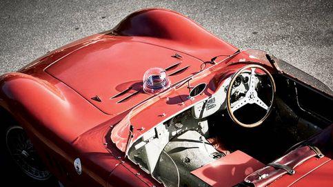 Cumbre de coches clásicos en el mágico Lago de Como