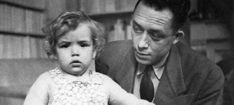 Foto: Albert Camus (en la foto con su hija Catherine) es uno de los tres ejemplos que toma Judt. (EFE)