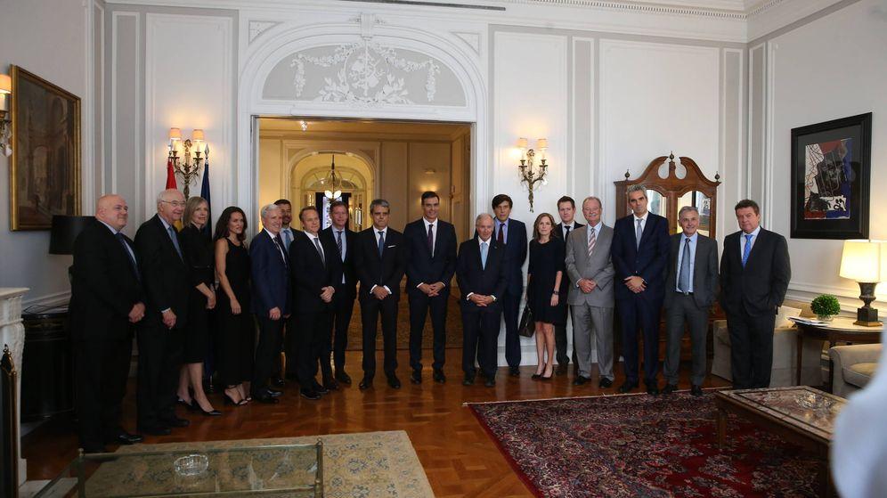 Foto: Pedro Sánchez junto a empresarios e inversores en Nueva York. (Cámara de Comercio de EEUU en España)