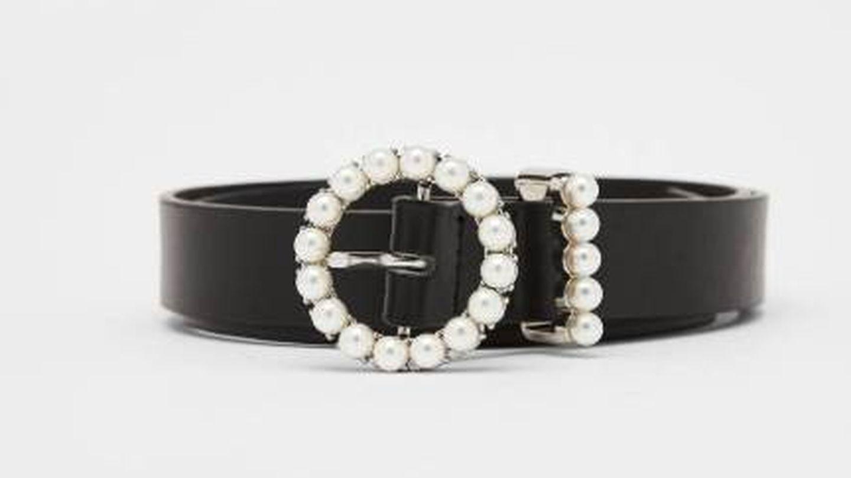 Cinturón con perlas. (Cortesía)