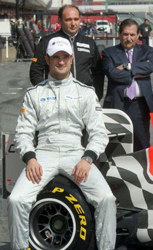 Carabante, agobiado por las deudas, vende Hispania Racing a un fondo 'buitre' español