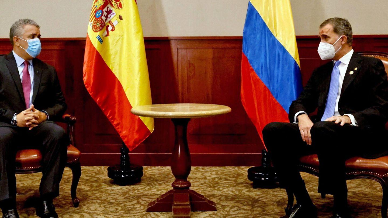 El Rey, junto a Iván Duque. (EFE)