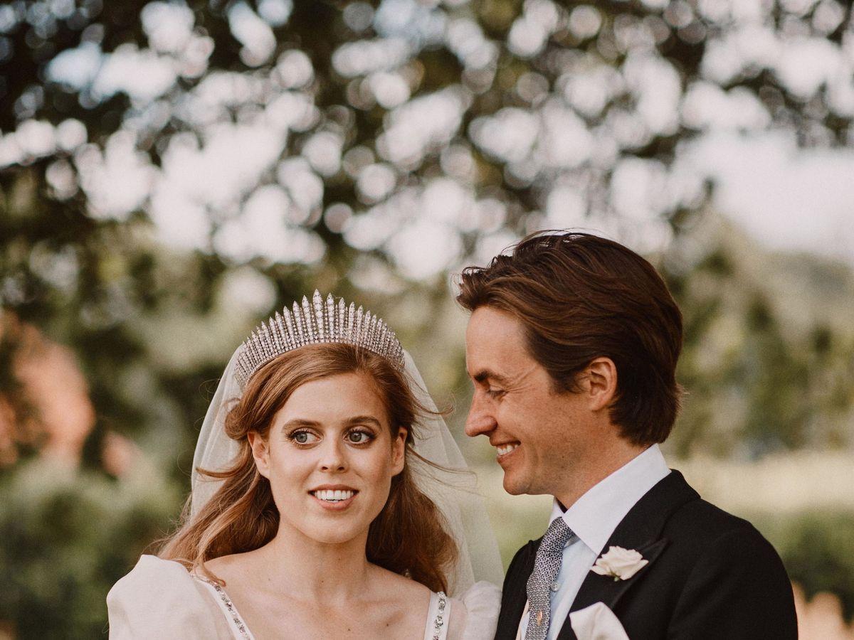 Foto: Beatriz de York y Edo Mapelli, el día de su boda. (EFE)