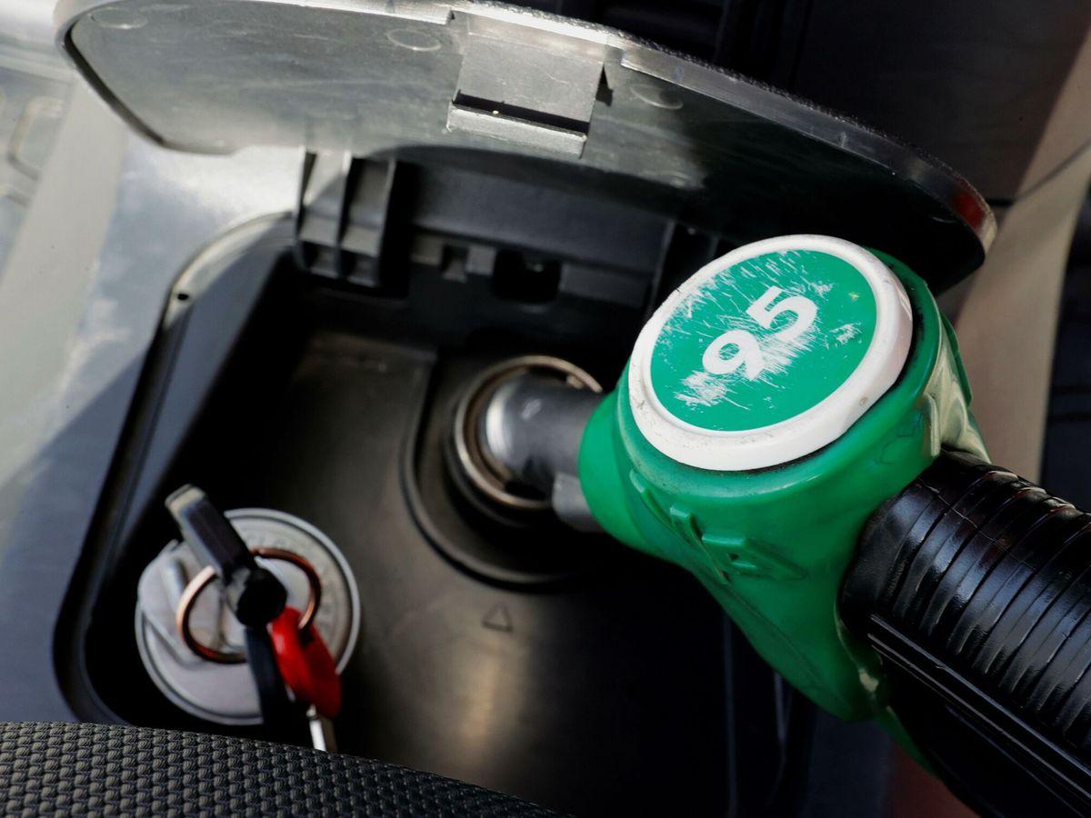 Foto: Los combustibles han subido de precio en las últimas semanas. (EFE)