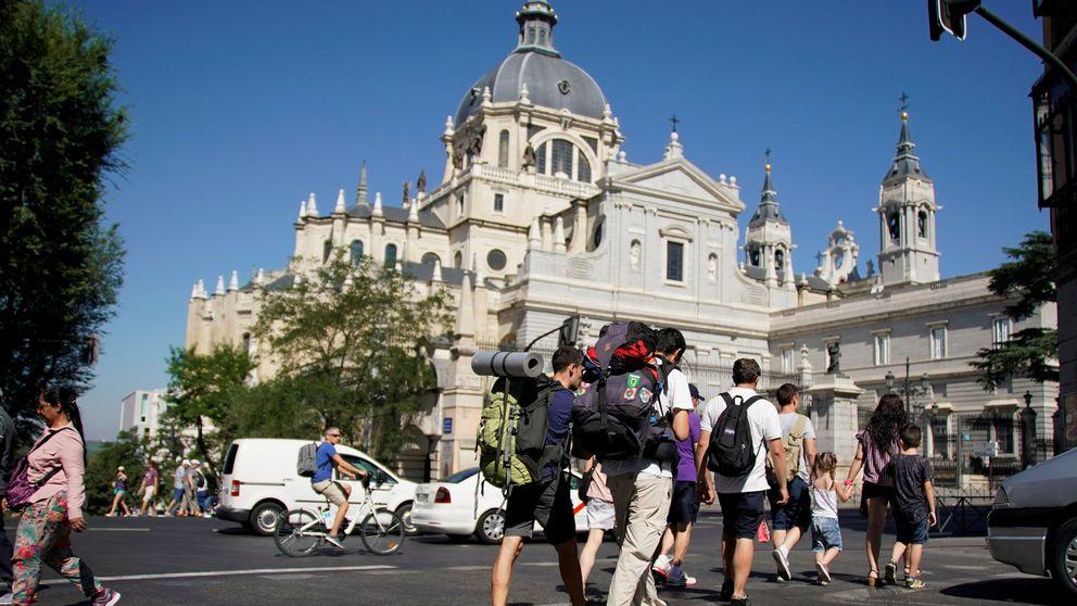 Alarma en Madrid: los hoteleros 'pinchan' frente a los Airbnb en San Isidro