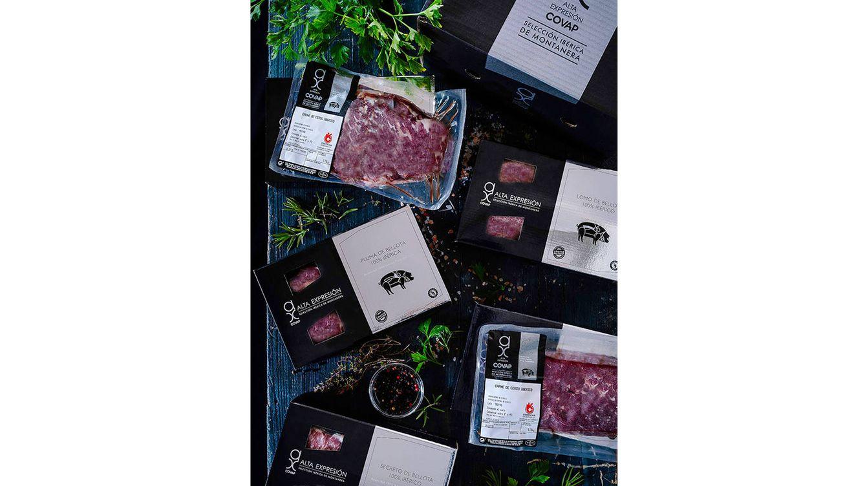 Foto: La nueva gama Alta Expresión COVAP Selección Ibérica de Montanera engloba cinco cortes diferentes de cerdo ibérico fresco.