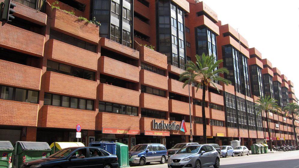 Foto: Uno de los más conocidos inmuebles de oficinas de Insur en Sevilla. (Fernando Ruso)
