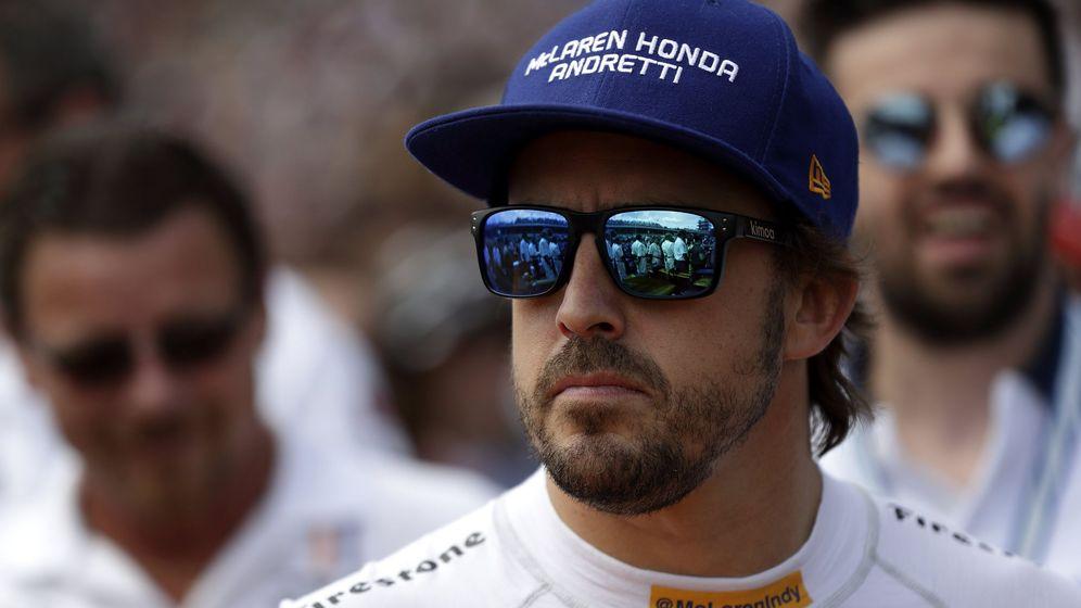 Foto: Alonso, concentrado antes de las 500 Millas de Indianápolis. (EFE)