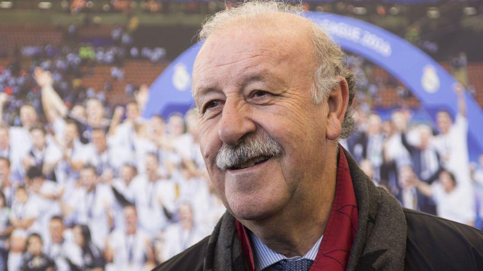 Foto: Vicente del Bosque, con una imagen del Real Madrid campeón de Europa detrás. (EFE)