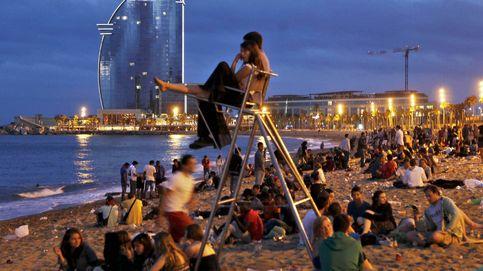 Barcelona blinda playas, parques y metro ante la verbena de San Juan esta noche