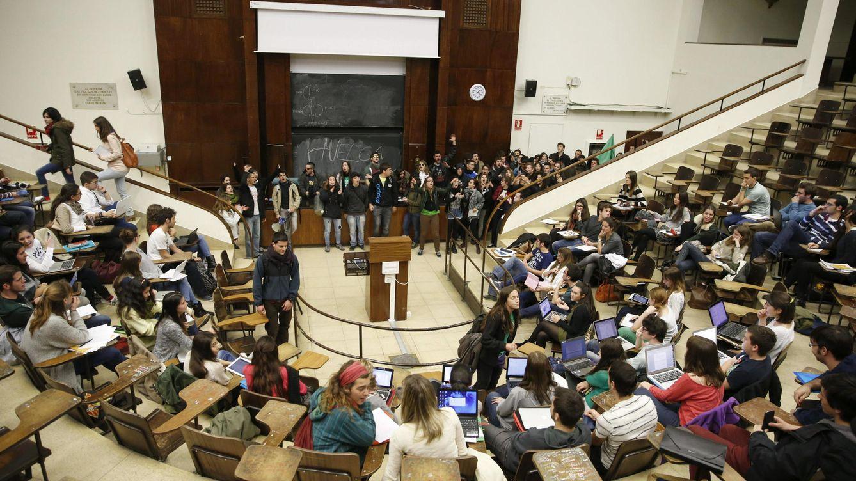Foto: Aula de una Facultad de Medicina (Efe)