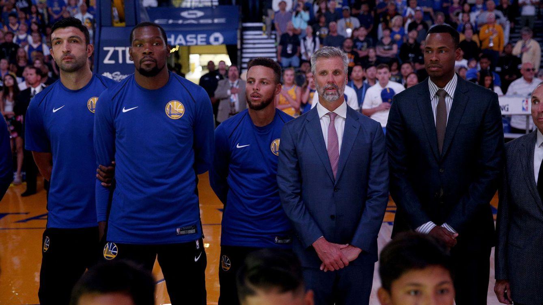 La paradoja de la NBA  la liga que más odia a Trump no se arrodillará. El español  Villanueva ... b68fa900a06