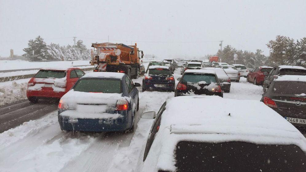 Caos y  nieve  en la AP-6  y en  otras  carreteras . Imagen-sin-titulo