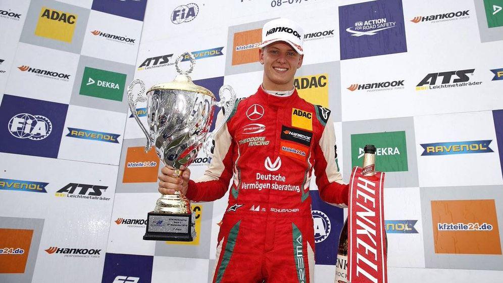 Foto: Mick Schumacher se convirtió en el primer piloto de 2018 en completar un hat-trick de fin de semana en Fórmula 3 (Twitter: @SchumacherMick)