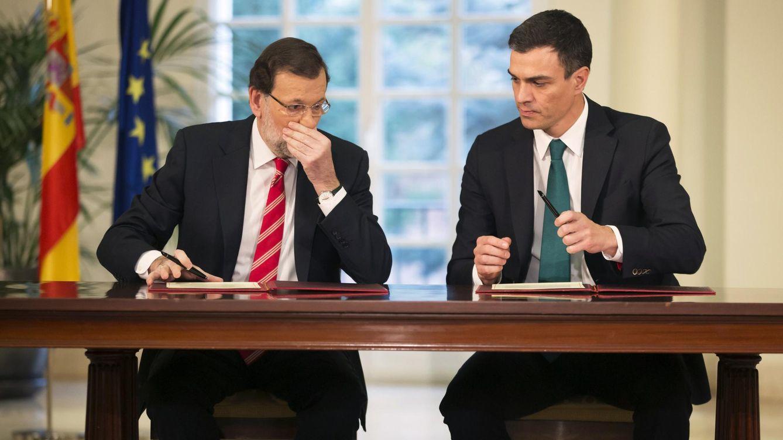 Foto: El presidente del Gobierno, Mariano Rajoy, y el líder del PSOE, Pedro Sánchez. (Reuters)