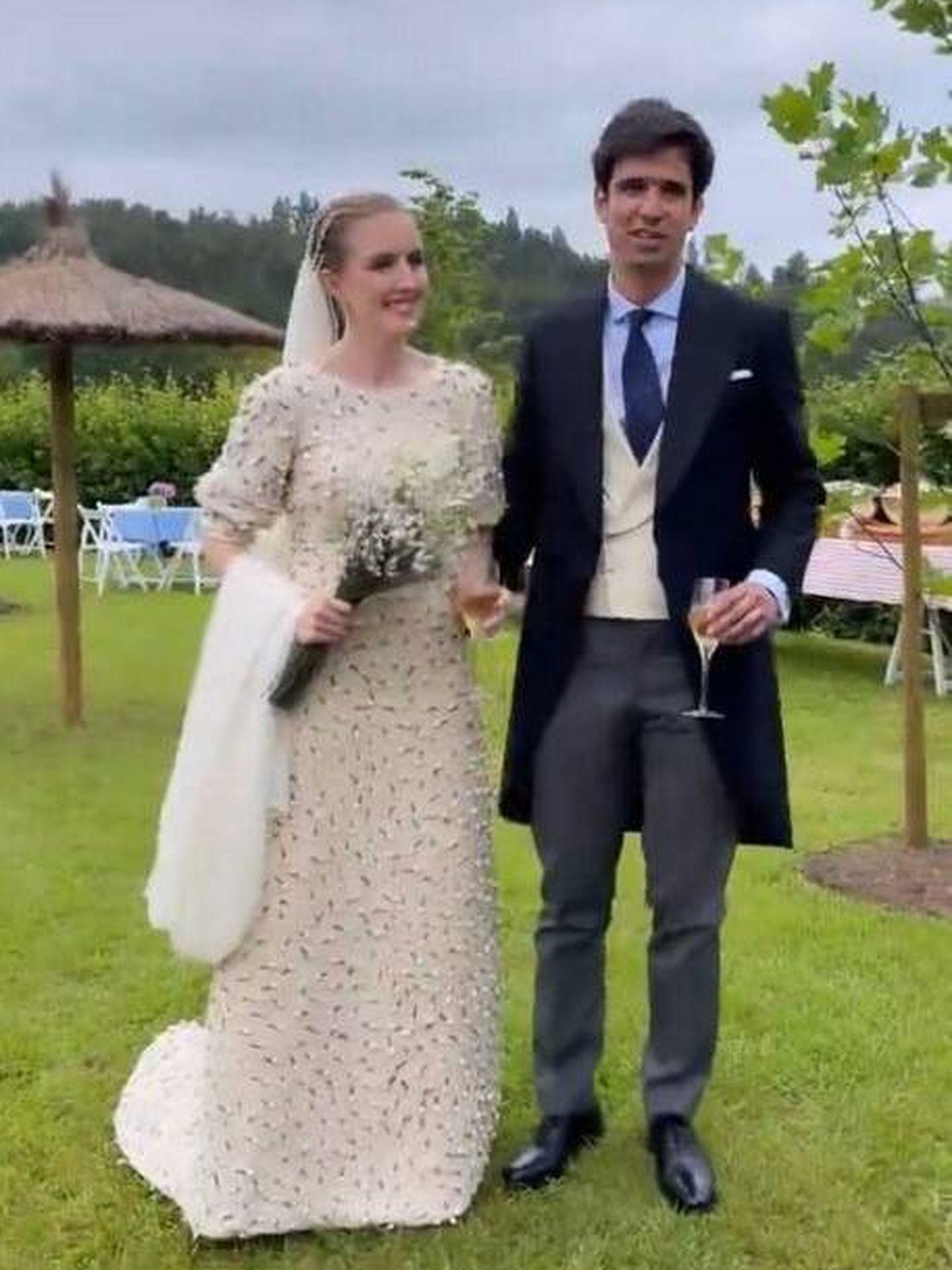 Inés Pérez-Pla y Álvaro Pablos convertidos en marido y mujer. (Redes sociales)