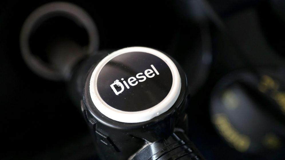 Foto: Surtidor de una gasolinera. (EFE)
