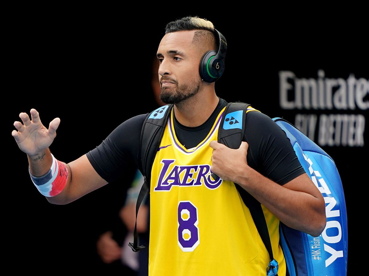 Foto: Nick Kyrgios hizo su particular homenaje a Kobe Bryant en el Open de Australia (EFE EPA/Scott Barbour)