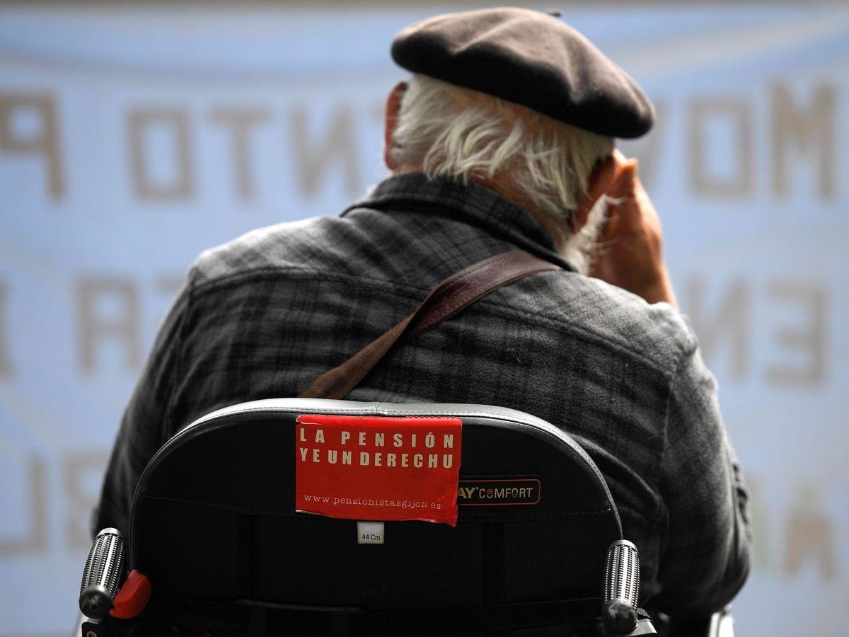 Foto: Manifestación en defensa de las pensiones (EFE)