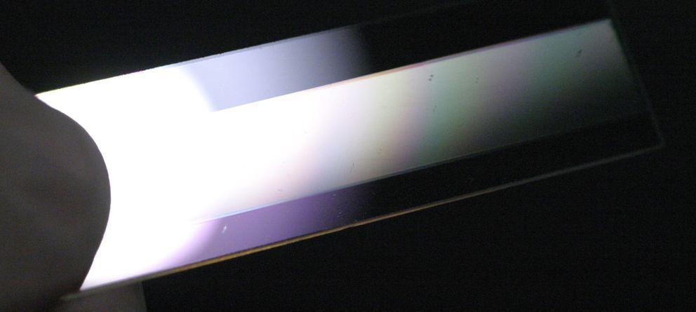 Foto: Este aparato desarrrollado en el MIT permite modificar la frecuencia de la luz
