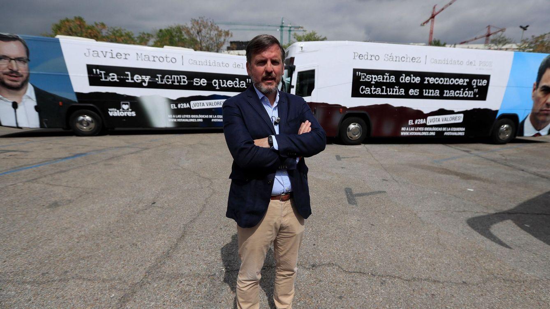 Elecciones generales: Hazte Oír hace circular tres autobuses contra PSOE, PP y Cs