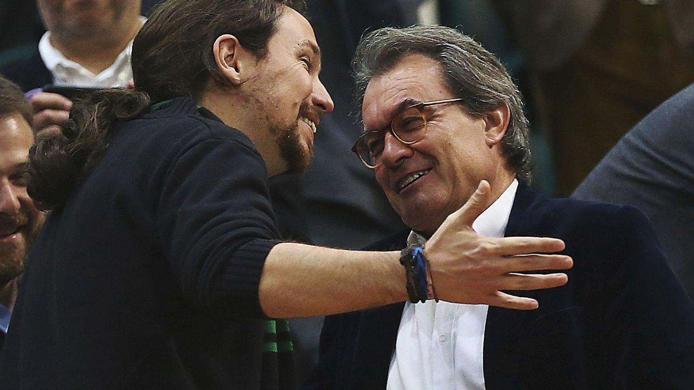 Iglesias, el mediador: del movimiento contra la globalización al diálogo Sánchez-Torra