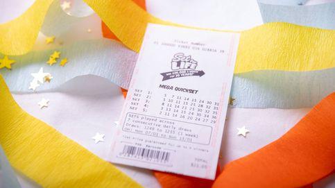 Gana la lotería, pero no se entera hasta un mes después… y por casualidad