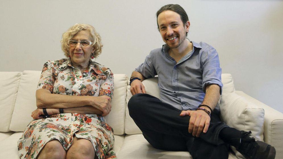 Foto: La alcaldesa de Madrid, Manuela Carmena, y el secretario general de Podemos, Pablo Iglesias. (EFE)