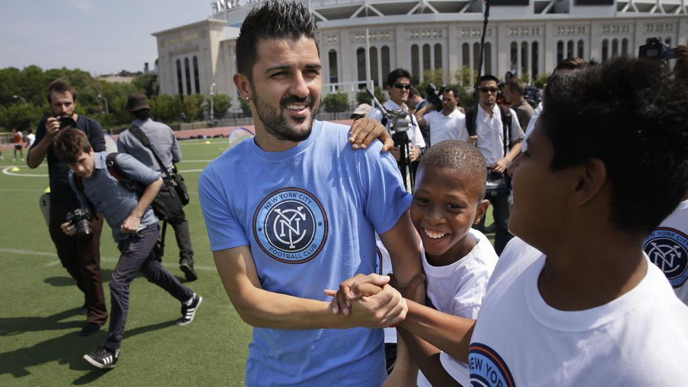 David Villa se suma a la campaña para conseguir una médula para Valeria
