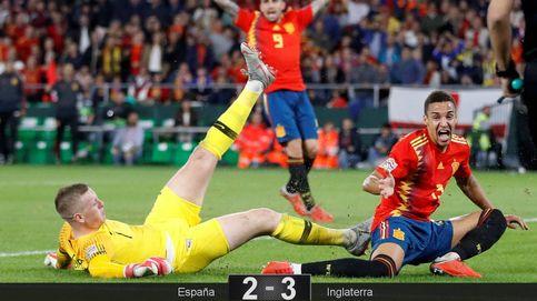 España no se arrodilla ante Inglaterra después de tirar el primer tiempo