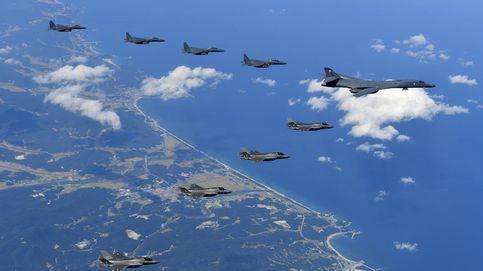 Bombarderos de EEUU vuelan cerca de la costa de Corea del Norte